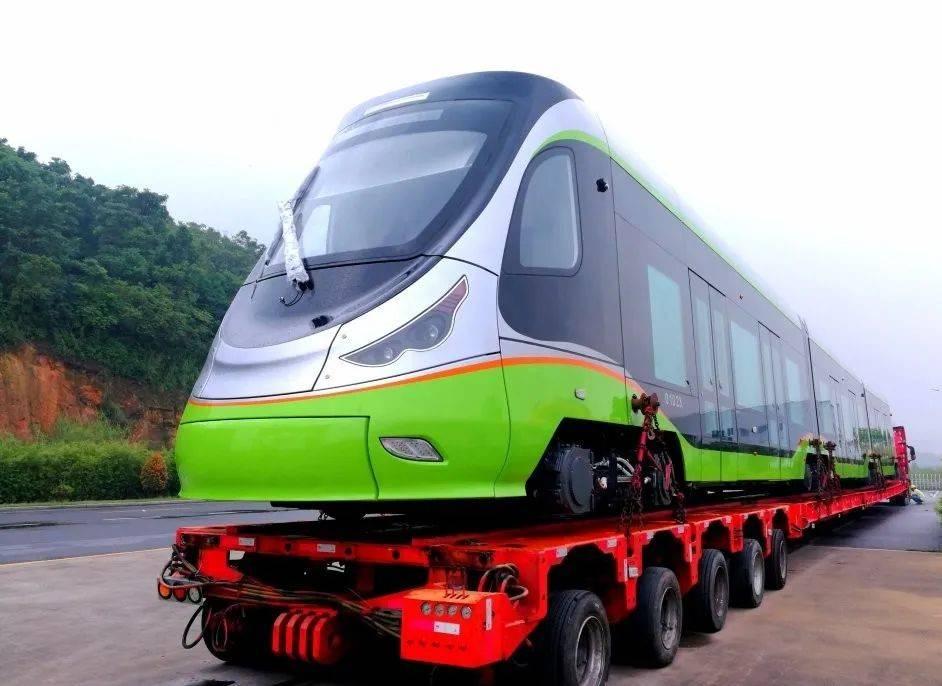 广州大件顺利完成16列有轨电车承运任务
