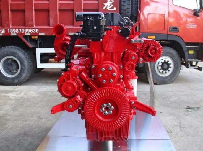 搭载西安康明斯X12发动机的自卸车 动力十足!