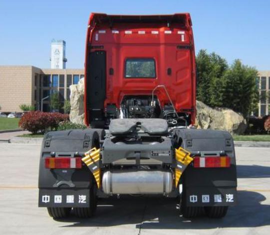 第344批《公告》之豪沃牌25吨牵引汽车(型号:ZZ4257V344KF1)