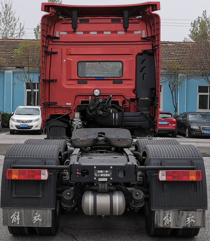 第344批《公告》之解放牌25吨牵引汽车(型号:CA4257P25K2T1E6A80)