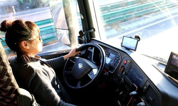 """000+字长文分析 增设自动挡驾照并不能解决卡车司机短缺问题!甚至还会有新的问题"""""""