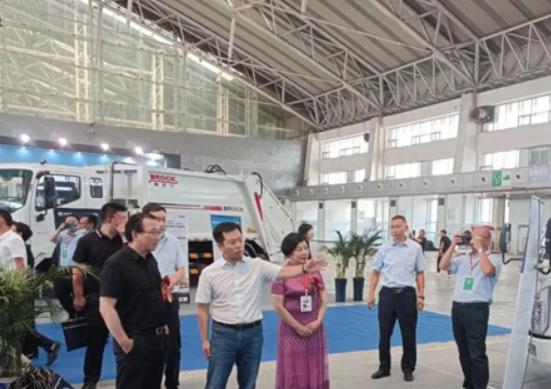 五征环保科技携多款产品精彩亮相东北三省环卫博览会