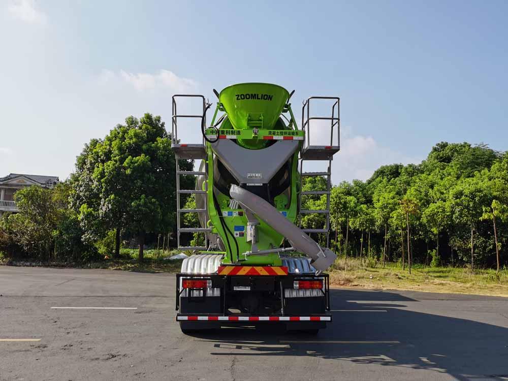第348批《公告》之中联牌7.82方混凝土搅拌运输车(型号ZLJ5312GJBEL6F)
