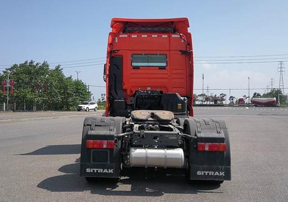 第348批《公告》之汕德卡牌25吨牵引车(型号:ZZ4256Y324HF1B)