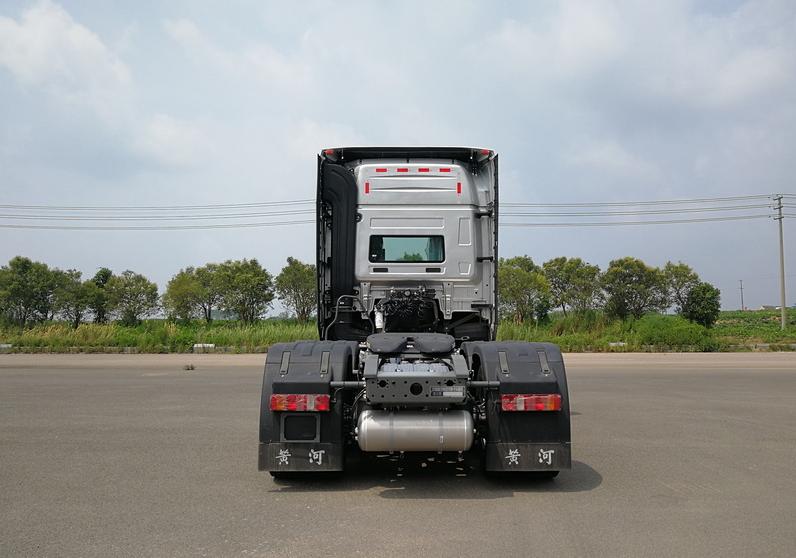 第348批《公告》之黄河牌25吨牵引汽车(型号:ZZ4257Y344XF1)
