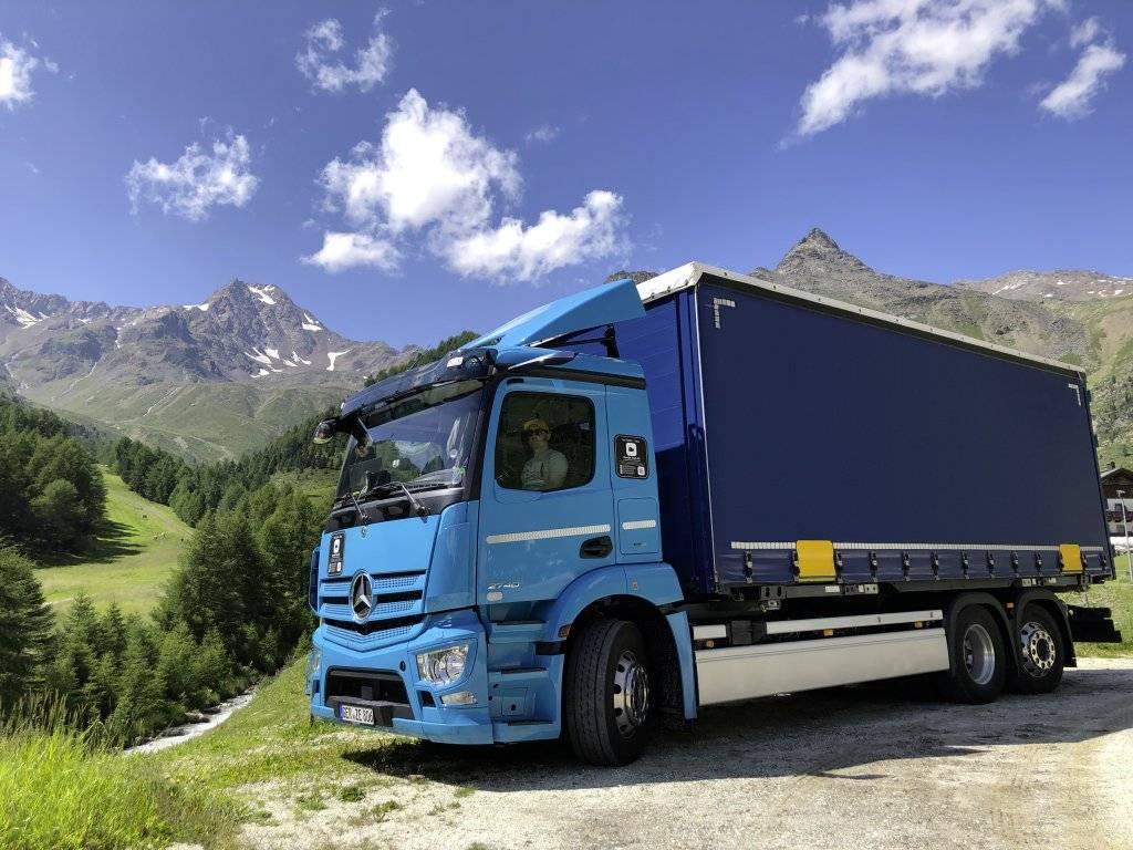 纯电动卡车 eActros 全面投入生产