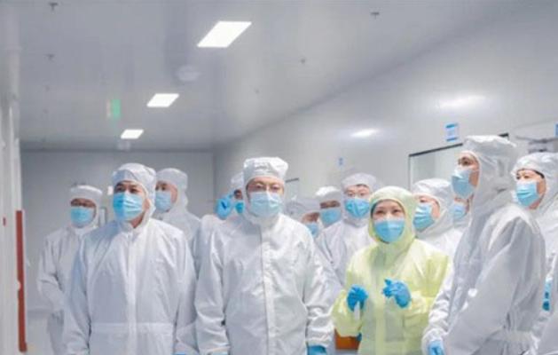 河南省委常委、洛阳市委书记江凌一行莅临中航锂电洛阳公司调研